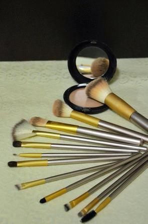 SOS Beauty: A che servono tutti questi pennelli??