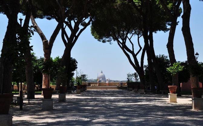 D di Donna A spasso per Roma…