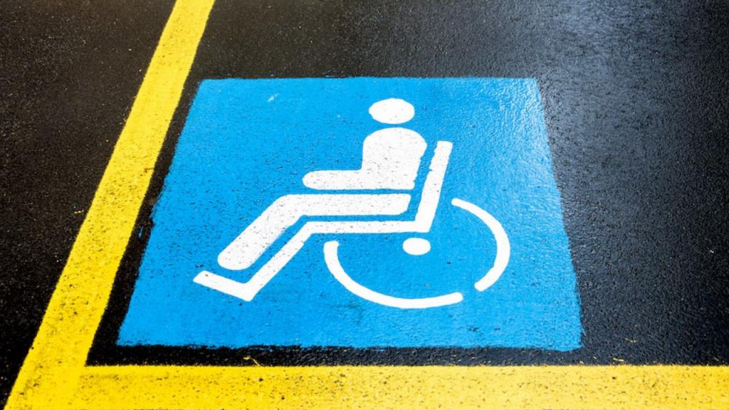 d di donna e parcheggio disabili
